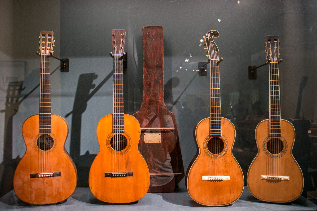 CF Martin Guitars Built by the Man Himself | DIY Fever