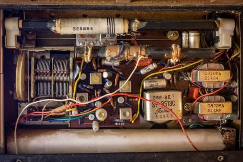 Toshiba 8TL-463S Radio Gut shot